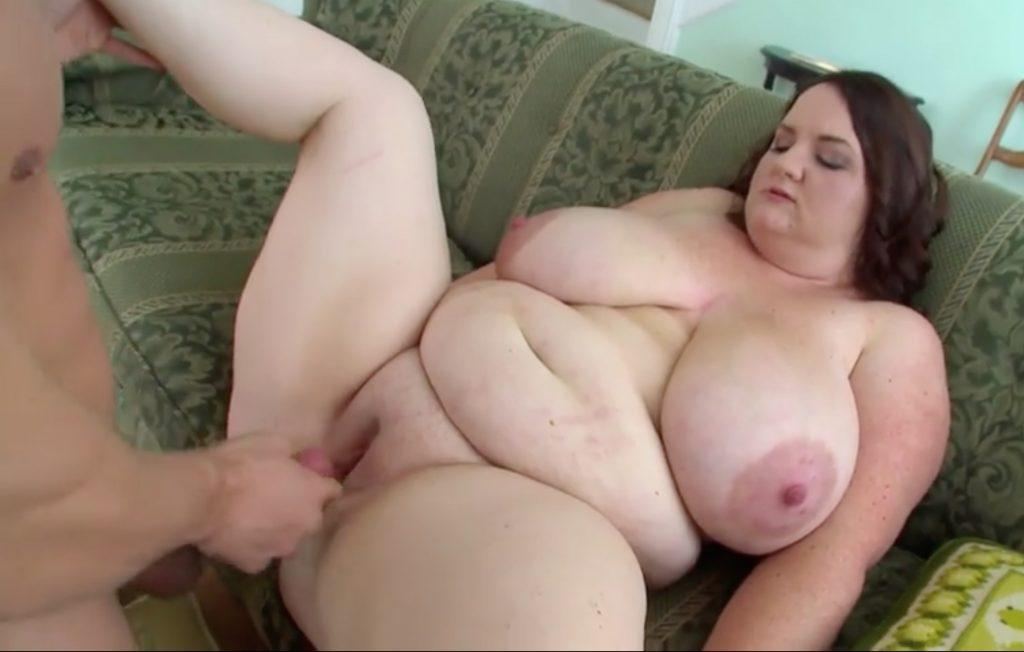 Danica Danali BBW Takes a Creampie-Withdrawing his penis from DD's pussy, revealing the creampie
